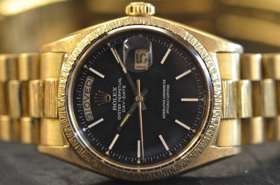Rolex DayDate ref. 1807 Quadrante Matt Lavorato a Corteccia in Oro Giallo 18k