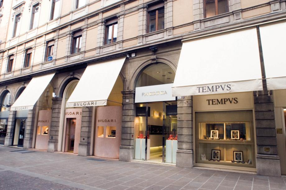 la vetrina di Tempus orologi d'Epoca a Padova